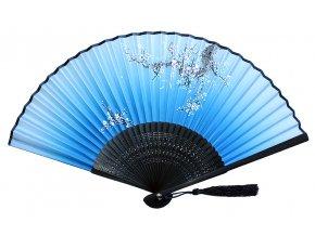 Bambusový látkový vějíř BLUE bílé květy 01